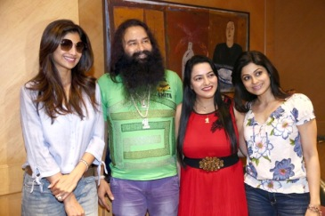 Bollywood-celebrities-congratulate-MSG-2-Film-15