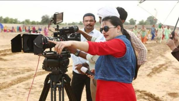 Honeypreet_comes_in_Public_for_the_first_time_afte_Ram_Rahim_Vrdict_1507005284
