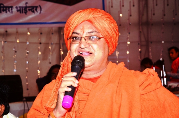 Swami Dr.Umakantanand Saraswati Maharaj at Mira Road,Mumbai (2)